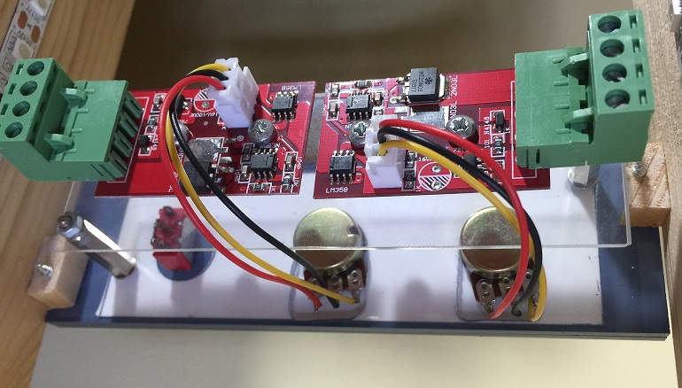 Dimmer electronic boards connected to pedestal lighting panel